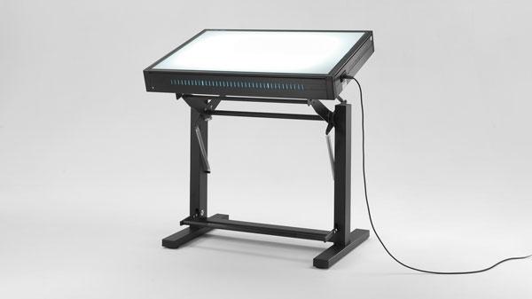 Tavolo Da Disegno Artistico : Tavoli luminosi da disegno con piano luminoso grapholux emme italia