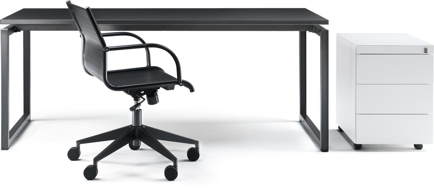 Technical furniture for office: cassettiera metallica, scrivania design e sedia operativa