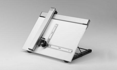 Tavoletta da disegno inclinabile con tecnigrafo
