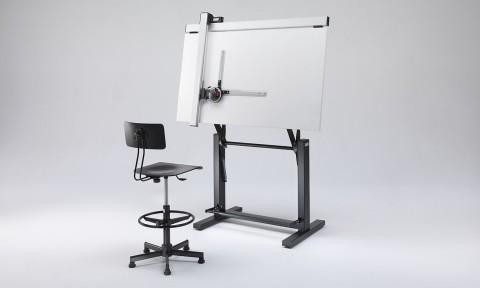Tavolo da disegno regolabile