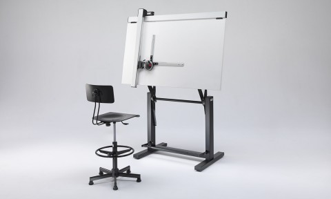 Adjustable drafting tables