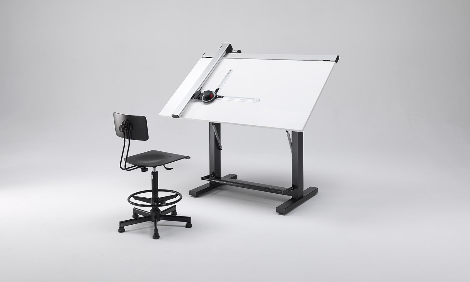 drafting table with drafting machine
