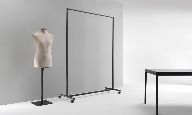 Soluzioni arredo contract e ufficio di design emme italia for Prisma arredo negozi