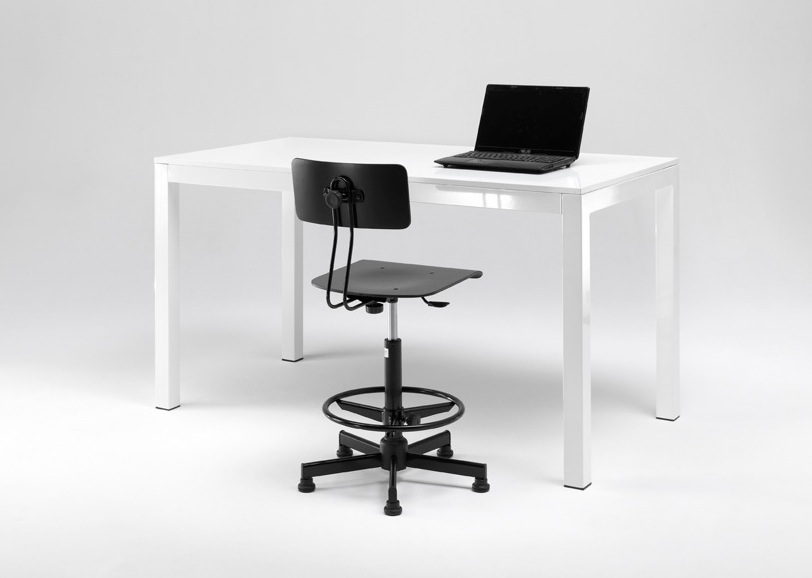 abbinare tavoli e sgabelli regolabili