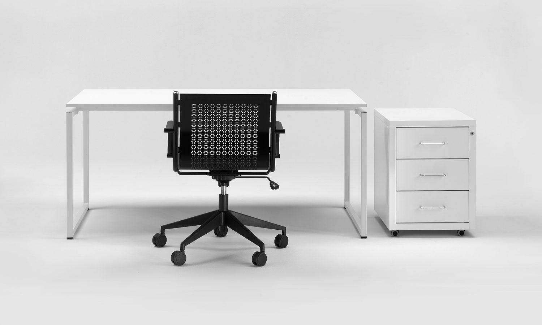 Good scrivania ufficio metallica with scrivanie ufficio for Tavoli ufficio economici