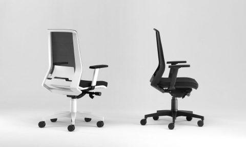 Sedia ufficio ergonomica bianca o nera