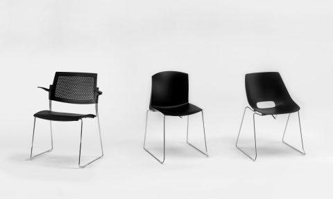Sedute collettività: sedie conferenza impilabili