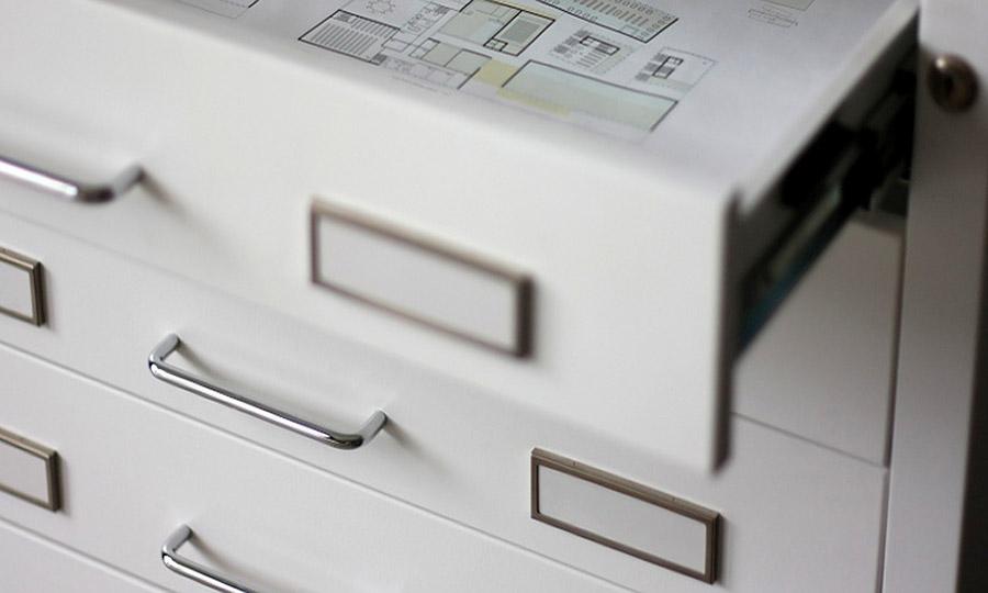 Cassettiera per archiviazione documenti per museo
