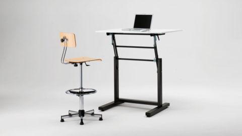 Banco scuola ergonomico regolabile in altezza M4DESK, altezza massima
