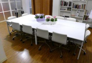 Tavolo riunione Publicomm Milano